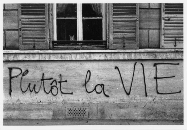 Edouard Boubat- graffiti1968