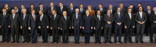 31 políticos europeos en traje de chaqueta