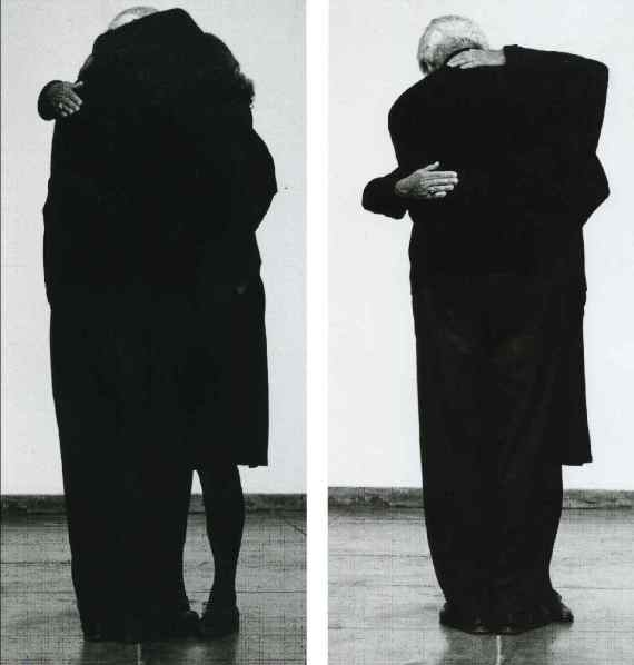 Helena Almeida- O abraço (2007)