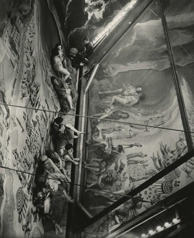 Brassaï: Juan les Pins, Folies Bergère, 1932