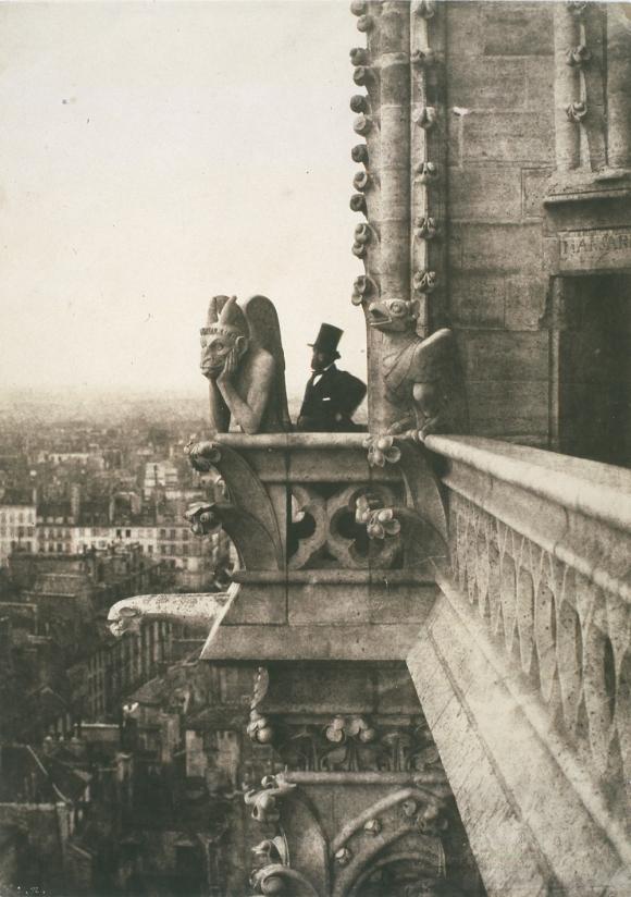 Charles Nègre - Henri Le Secq cerca de una estirge de la catedral de Nôtre Dame (1853)