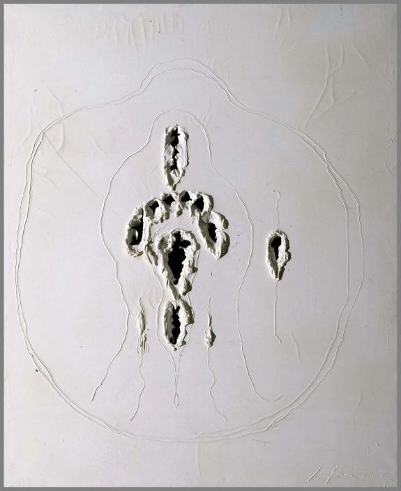 Lucio Fontana- Concetto spaziale (Concepto espacial) Óleo, grafito y desgarros sobre lienzo 1968